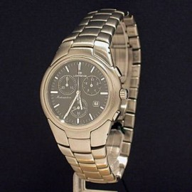 QUARTZ CHRONOGRAPH MOVEMENT STAINLESS STEEL WATER RESISTANT 3 ATM. CASE 38mm IN DIAMETER