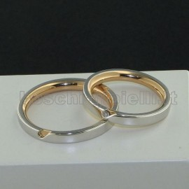 WEDDING RINGS IN GOLD 18k WITH DIAMONDS.<BR>Weights and carat are indicative and they are subject to change depending on the ring size. Contact us for a personalized quote.