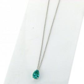 Catena e <b>CIONDOLO con smeraldo taglio a goccia e diamante</b> INCASSATURA A QUATTRO GRIFFE, REALIZZATO IN <b>ORO</b> BIANCO 18 karati, <b>DIAMANTE</b> punti di carato 1,5 COLORE G PUREZZA vs, <b>smeraldo</b> punti di carato 70, dimensioni 5x9mm<br>Da <b>Reggio Emilia</b> la tua gioielleria a portata di click